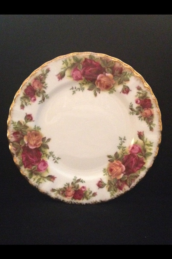 "FREE SHIPPING-Fantastic-Original-Vintage-1962-Old Country Roses-Royal Albert-Bone China-Made England-Bread And Butter- 6 1/4""-Plate"