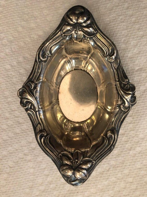 FREE SHIPPING-Lily- Watson 1902-Sterling Silver-Antique Nut dish