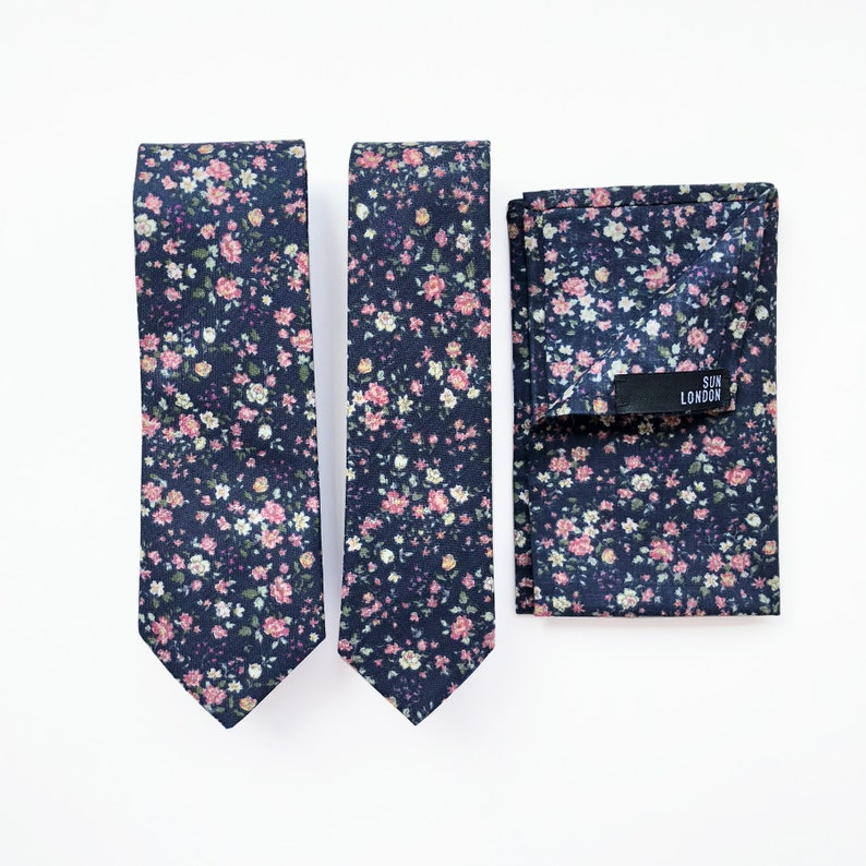 Men/'s Handkerchief Oliver Ditsy Floral Pocket Square