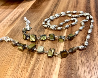 """Customized Eyeglasses Glasses Green Irregular Sea Shells beads with Silver tone Chain 30"""" length for Women Mother Grandmother sister Gift"""