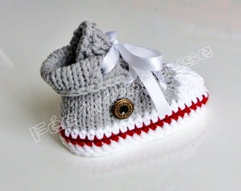 (grey line clear Red) hand knitted baby sneakers