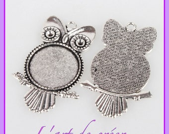 1 owl pendant, owl, silver round cabochon holder - for 25mm cabochon