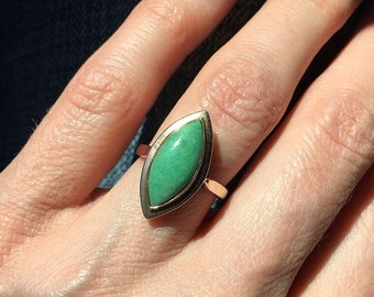 SALE! Vintage 14K Gold Chinese Jadeite Navette Ring size 5.25