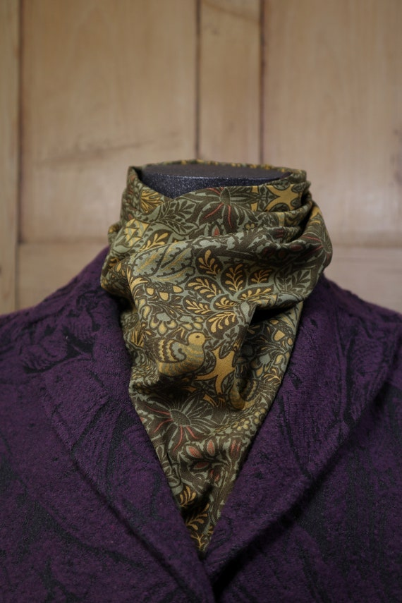 William Morris Fruit Lined Neck Scarf Green