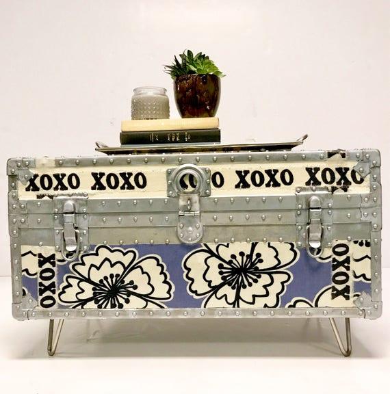 xoxo furniture. Image 0 Xoxo Furniture