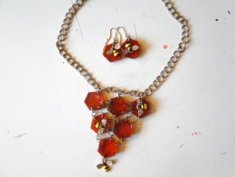 Honeycomb and Bees Necklace and Earrings Set