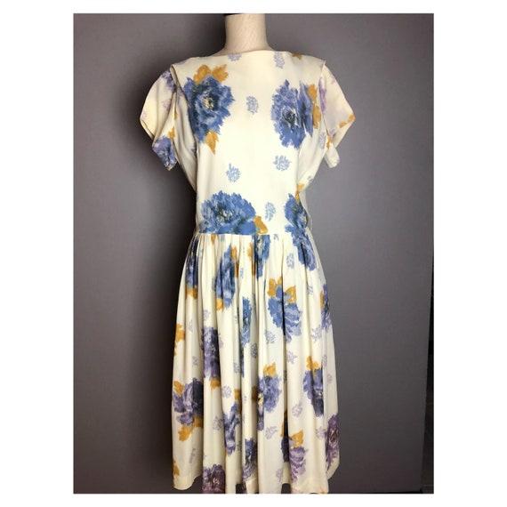 1950's Vintage full skirt floral dress