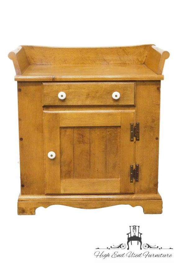 Ou0027HEARN Gardner MA Sugar Maple Washstand / Nightstand