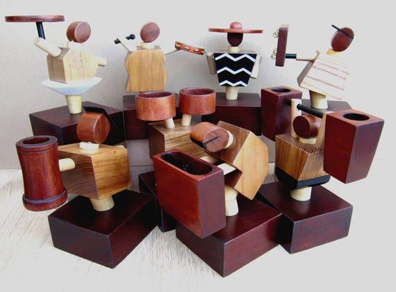 Sculture in legno. Design made in Italy. Statuine porta oggetti handmade.  Collezione completa \