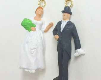 A couple of wedding;miniature; Happy wedding