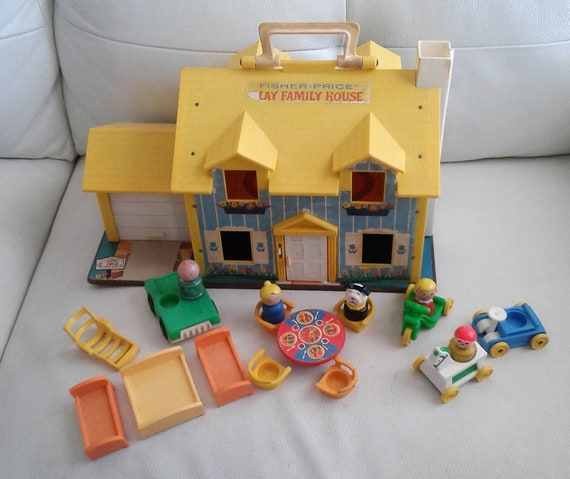 Vintage 1969 Fisher Price Little People 952 Tudor Yellow House With Car Extras