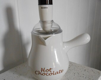 Hot Chocolate Pot with Battery Powered Stirrer, Hot Chocolate Jug, Chocolate Chaud, Hot Chocolate Frother, Hot Chocolate Pot, Chocolate Jug