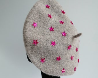 Silver Grey 100% Wool Beret Embellished with Bright Pink Acrylic Star Jewels, Alternative, Accessories, Hats,