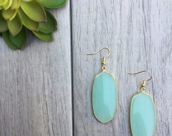 Mint green earrings // Fast and free shipping