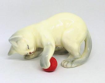 Collectible Vintage Sea Shell Cute Folk Art Kitty Cat Kitten Figurine Desk Decor