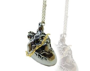 Pendentif Coeur Anatomique et couronne d' épines - Coeur - Anatomique - Pendentif - couronne - épines - bicolore - doré - chromé