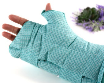 Heating Pad or Cool Wrap for Wrist & Thumb Pain Relief. (Single Adjustable Wrap)