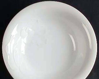 Vintage (1987) Studio Nova Tulip White 2051 all-white coupe soup or salad bowl. Embossed tulips, smooth edge. Made in Japan.
