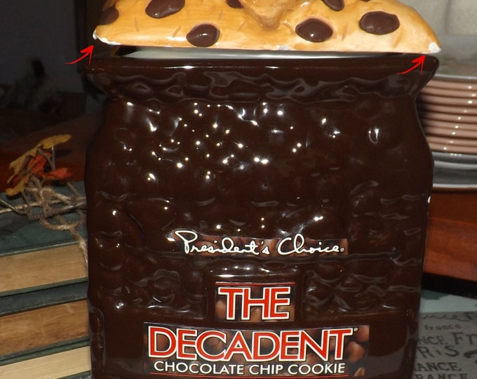 Vintage (1991) President's Choice The Decadent Chocolate Chip Cookie cookie jar.  Vacuum-seal lid.