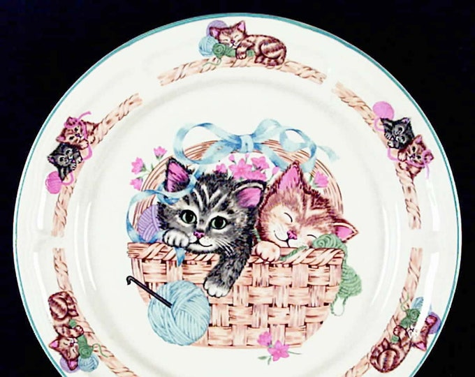 Vintage Tienshan Purrfect Friends large stoneware dinner plate. Kittens   cats in basket.
