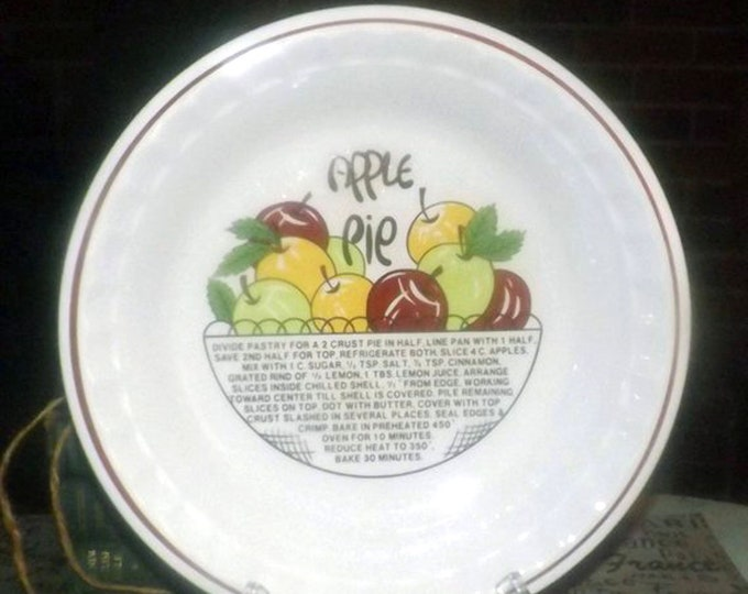 Vintage (1980s) Manoir Collection Korea Apple Pie recipe pie plate. Crimped sides, Apple Pie recipe in center.