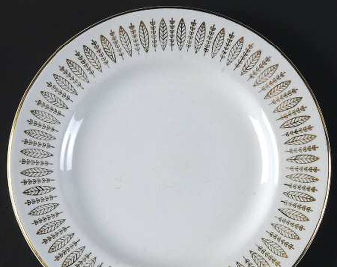 Mid-century (1950s) Royal Knight RKN1 golden leaf and sheaves pattern bread-and-butter, dessert, or side plate.  Gold edge.