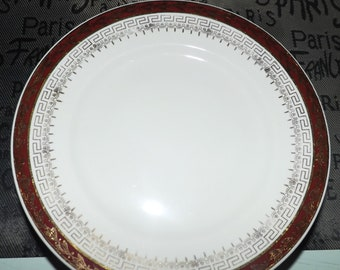 Early mid-century (1940s) North Staffordshire Pottery NOS1 | Royalty pattern hand-decorated bread-and-butter | side plate.