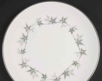Vintage Royal Doulton Kimberly H4961 salad or side plate made in England. Sold individually.