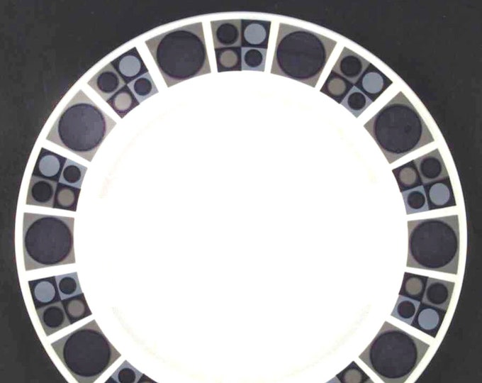 Vintage (1960s) Midwinter Focus geometric pattern large dinner plate. Made in England, designed by Barbara Brown. Blue, black, brown.