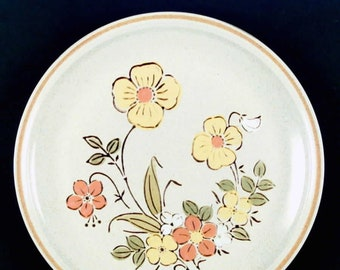 Vintage (1980s) Hearthside Sunshine Flowers large hand-painted dinner plate. Garden Festival Stoneware made in Japan. Sold individually.