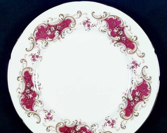 Vintage (1980s) Paragon Majestic luncheon plate made in England.