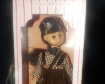 Vintage (1978) Vogue The World of Ginny Doll 301933 in original box which appears unopened.