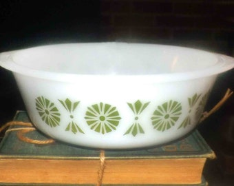 Vintage (1960s) Glasbake | Jeannette USA JEG33 pattern 2-quart round cinderella bowl | open casserole. Green florals, fans, dots on white.