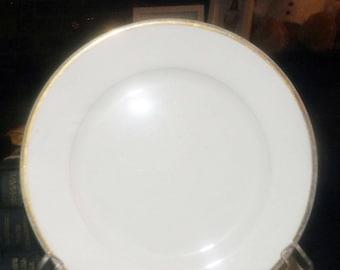 Almost antique (1920s) Johnson Brothers Pareek Goldein salad or side plate. 18-karat gold edge, pen line. Simple elegance