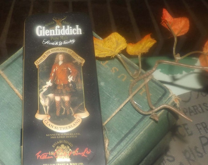 Vintage (1980s) Glenfiddich Clans of the Highlands Clan Sutherland 3rd Lord Duffus lithographed (empty) mini scotch tin. Made in England.