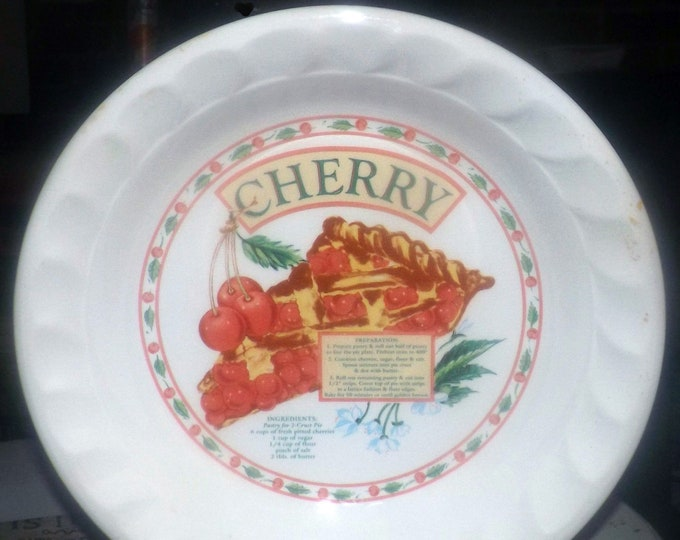 Vintage (1980s) Cherry Pie Recipe Pie Plate.  Himark Golden Pie Collection.