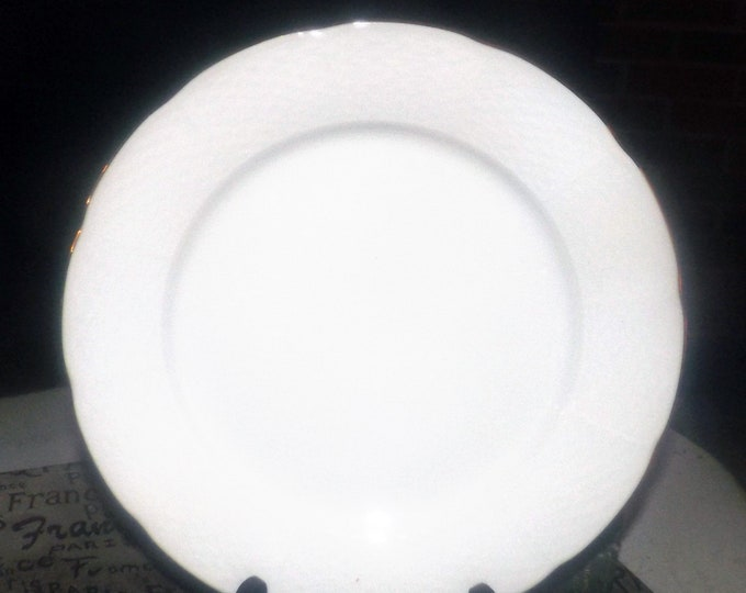 Vintage (1960s) Thun THU407 all-white dinner plate.  Basket weave embossing, gold edge. Made in Czechoslovakia.