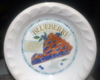 Vintage (1980s) Blueberry Pie Recipe Pie Plate.  Himark Golden Pie Collection.