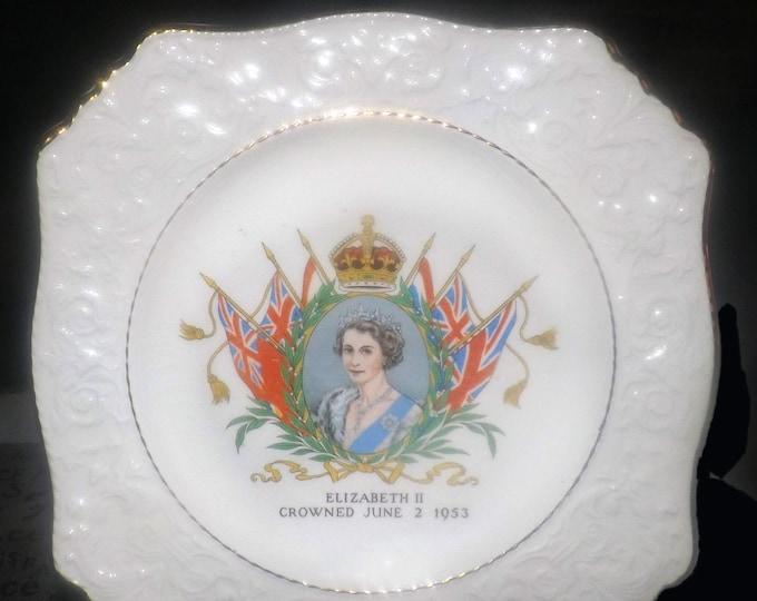 Mid-century (1953) Royal Winton Grimwades creamware plate commemorating Coronation of Queen Elizabeth II June 2, 1953.