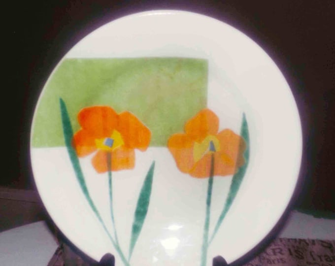 Vintage and hard to find Corelle Luxe Fiore Green salad or side plate. Orange flowers with blue and yellow centers and greenery, green box.