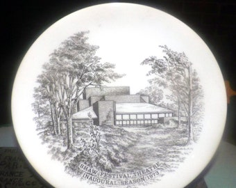 Vintage (1970s) Wedgwood Commemorative Shaw Festival Theatre plate celebrating the inaugural season   opening of the theatre in 1973.