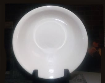 Corelle | Corning USA | Corningware Sandstone all-beige coupe cereal bowl. Discontinued 2010.