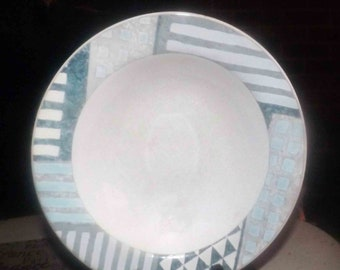 Vintage (1999) Studio Nova   Mikasa Eclectic HG295 rimmed soup bowl. Blue, green and grey geometric pattern.