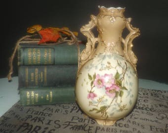 Antique (1900-1909)  Depose Ernst Wahliss Turn Wien Teplitz hand-painted vase | amphora. Majolica, gold accents. Signed, numbered to base.