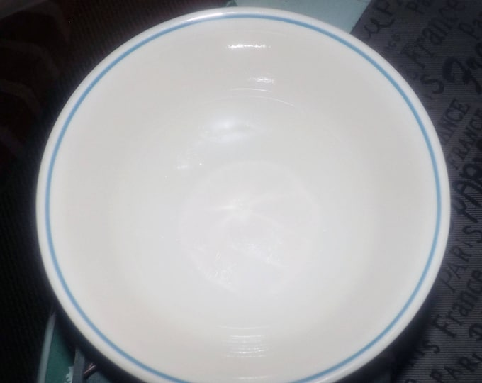 Vintage (1980s) Corelle | Corning USA Lace Bouquet cereal, soup, or salad bowl. Blue band on cream, slight rim. Made in USA.