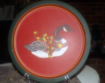 Vintage (1988) Wang's International Taiwan round, metal Christmas tray. Christmas goose in center, Christmas ribbon, red ground, green rim.