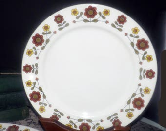 Vintage (early 1970s) Grindley Hotelware  | Grindley 10-72 dinner plate. Duraline ironstone. Brown, yellow flowers, greenery.