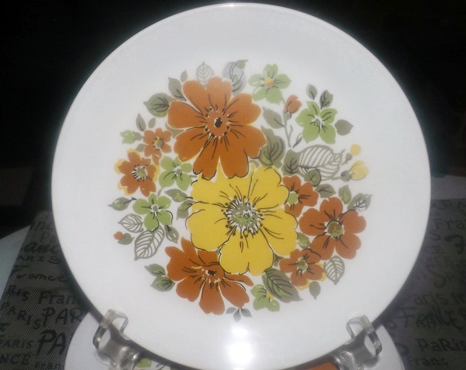 Vintage (1970s)  Johnson Brothers Westdale pattern salad plate. 70s flower power yellow, brown flowers. Snowhite Regency ironstone.