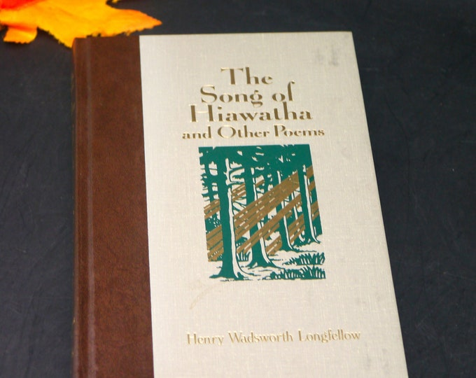 Vintage (1989) illustrated poetry book Song of Hiawatha & Other Poems. Henry Longfellow. Reader's Digest World's Best Reading series.