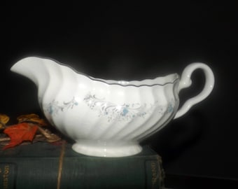 Vintage (1960s) Sovereign Potters Charmian R110-62 gravy or sauce boat.